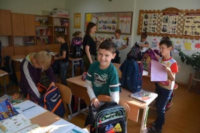 W tym roku Tornister Pełen Uśmiechów skierowany jest dla ubogich dzieci z rejonu Kołomyja na Ukrainie