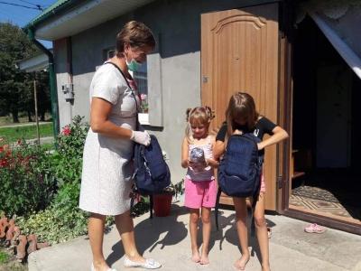 Tornister Pełen Uśmiechów dotarł do ubogich dzieci na Ukrainie