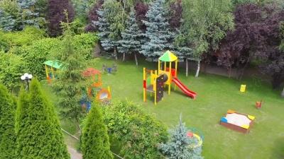 Dzięki Wam udało się wyremontować plac zabaw przy parafii w Borówcu