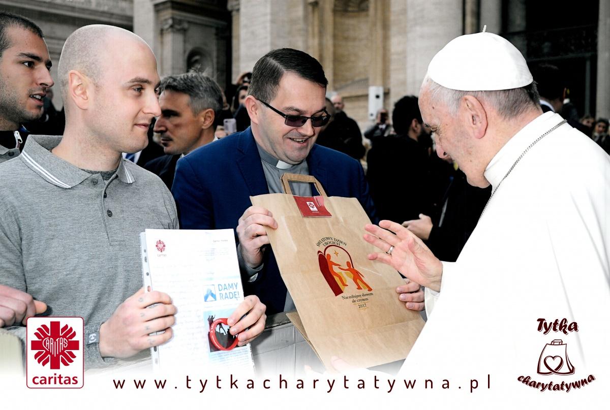 Papież - tytka charytatywna